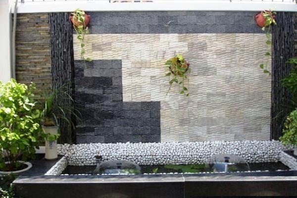 Đá răng lược trắng là sản phẩm hoàn toàn bằng đá tự nhiên, bề mặt đá mạnh mẽ, nên sử dụng được cả trong nhà lẫn ngoài trời. Sử dụng đá răng lược trắng ốp tường, thác nước, tranh đá, trang trí tiểu cảnh, sân vườn