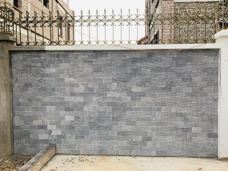 Đá tự nhiên có màu sắc không đồng nhất tạo nên một bức tranh hoàn hảo cho những mảng tường đường ốp lên.