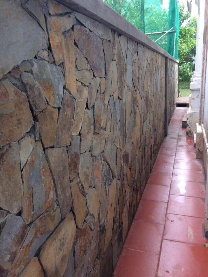Đá rối ngũ sắc ốp tường bao CT Vinhomes Riverside Long Biên