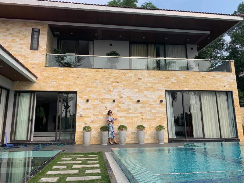Đá bóc vàng ốp tường mặt tiền nhà