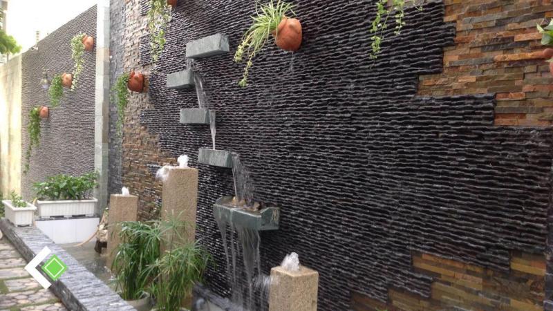 Đá ốp tường thác nước suối đen tuyệt đẹp.